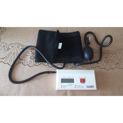 Japoński ciśnieniomierz elektroniczny z pompką (gruszką)